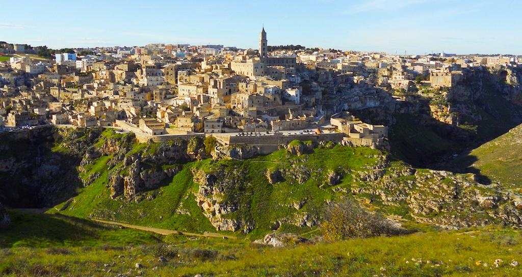 città_dei_sassi_panorama_murgia_storia_capitale_europea_della_cultura_informazioni_turistiche_visite_guidate
